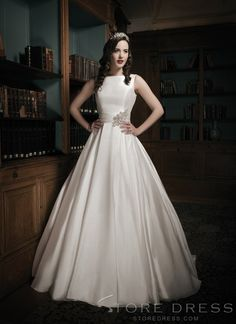 Glamorous Ball Gown Bateau Beading Wedding Dress at Storedress.com