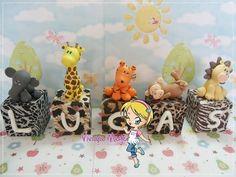 Cubos de letras para bolo da festa do safari