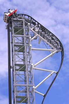 The SkyCycle In Japan Is One Of The Worlds Scariest Theme Park - Pedal powered skycycle rollercoaster japan amazing