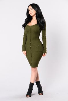 - Available in Black and Hunter Green - Cashmere Feel Dress - Long Sleeve - Front Pockets - Gold Button Detail - 50% Rayon 23% Nylon 27% Polyester