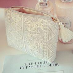 Bridal Handbags, Crochet Shoulder Bags, Lace Bag, Diy Bags Purses, Potli Bags, Vanity Bag, Diy Tote Bag, Embroidery Bags, Bag Patterns To Sew