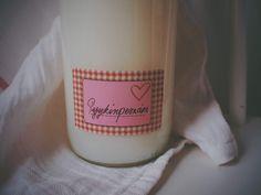 Do It Yourself: Pyykinpesuaine ja pyykkietikka Candle Jars, Candles, Glass Of Milk, Diy Crafts, Drinks, Candle Mason Jars, Candy, Homemade, Crafts