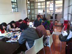 Un sábado al mes, realizamos Club Epistolar Corazón con tinta china, revisamos y escribimos textos compilatorios de cartas  en Biblioteca de Santiago @fomentolectorbs