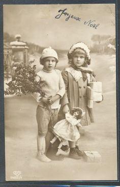 QB177-NOEL-Xmas-COUPLE-of-EDWARDIAN-CHILDREN-GIFTS-DOLL-PHOTO-pc-EAS