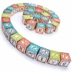 Klasyczne, drewniane klocki z alfabetemamerykańskiej firmy Uncle Goosegwarantują godziny