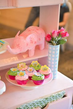 Lilly Pulitzer Themed cupcakes