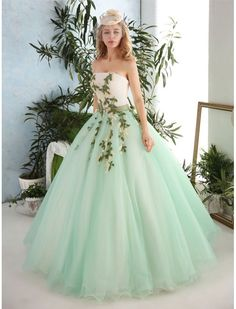 Vintage Style Strapless Floral Ball Gown