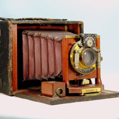 Antique Camera/Premo B/Victor/Rochester Optical Co/Pat. Jan. 6, 1901/Red Bellows/#83523/Bausch & Lomb