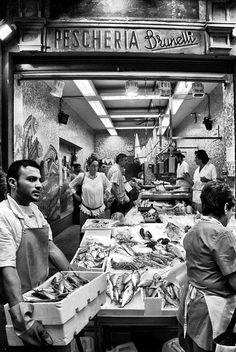 Una giornata di street photography nel centro storico di Bologna - Copyright Andrea Bonfatti 2013