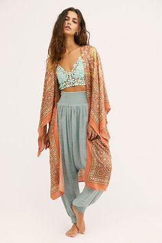 Magic Dance Border Print Kimono by Free People, Orange, One Size Hippie Chic Outfits, Hippie Style Clothing, Boho Outfits, Cute Outfits, Fashion Outfits, Boho Style Clothing, Hippie Styles, Boho Womens Clothing, Tribal Clothing