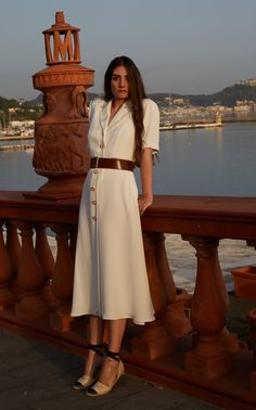 Get inspired and discover Giuliva Heritage Collection trunkshow! Shop the latest Giuliva Heritage Collection collection at Moda Operandi. Classy Outfits, Chic Outfits, Dress Outfits, Fashion Outfits, Shirt Outfit, Shirtdress Outfit, Elegant Summer Outfits, Casual Summer, Jupe Midi Style