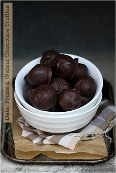 No Bake Truffles, healthy, delicious, power house of energy and guilt free indulgence, truffles on a diet can't get better than this