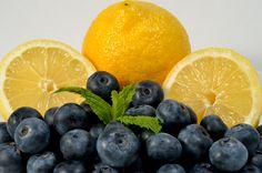 Healing Meals – Berry Basil-ade