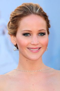 Jennifer Lawrence at the Oscars 2013 Hair and Beauty