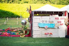 Redneck Red Carpet - Sweet 16 Party for Sadie Robertson (Duck Dynasty), Styled by ithe Junk Gypsies - Photography by April Pizana Sweet 16 Parties, Grad Parties, Gypsy Party, Junk Gypsies Decor, White Trash Bash, Redneck Christmas, Redneck Party, Gypsy Wedding, Dream Party