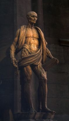 Marco d'Agrate, statue of Saint Bartholomew in the Duomo in Milano. MilanoArte