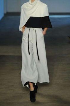 Tendencias Invierno 2015 pantalones anchos cortos: fotos de los modelos - Derek Lam pantalones deportivos