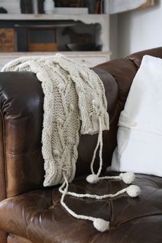 Linen on leather chesterfield Modern Country, Country Living, Leather Chesterfield, Tufted Sofa, Classic Elegance, Comfort Zone, Cozy House, Vintage Leather, Living Room Decor