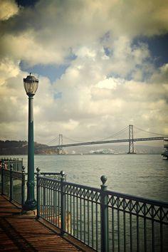 Pier 7, San Francisco by Frederico Domondon