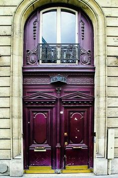An elegant Parisian entryway, Number 19 In Paris. A beautifully ornate and grand red brown door in Paris, France. Cool Doors, Unique Doors, The Doors, Windows And Doors, Door Entryway, Entrance Doors, Doorway, Grand Entrance, Porte Cochere