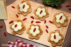 L'Antipasto marmellata fichi e pecorino è uno sfizioso antipasto finger food molto particolare.Finger food perfetto per aperitivi particolari e raffinati!