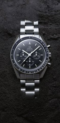 The OMEGA Speedmaster Moonwatch of today. Discover the collection and wear a tru… The OMEGA Speedmaster Moonwatch of today. Discover the collection and wear a true piece of space history. This chronograph became the first watch worn on the moon in Best Watches For Men, Luxury Watches For Men, Cool Watches, Rolex Watches, Moonwatch Omega, Omega Speedmaster Moonwatch Professional, Limited Edition Watches, Dream Watches, Omega Seamaster