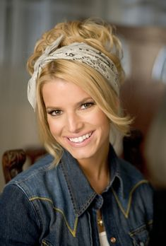 Jessica Simpson – The Dukes of Hazzard movie photo gallery - All For Colors Hair Jessica Simpson Hot, Jessica Simpson Daisy Duke, Jessica Simpson Wedding, Jessica Simpson Makeup, Jessica Simpsons, Country Girl Hairstyles, Jessica Ann, Bandana Hairstyles, Pony Hair