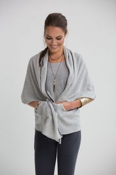 NESH NYC stoned wrap made of sparkle lurex french terry Chic Outfits, Fashion Outfits, Casual Chic Summer, Easy Like Sunday Morning, Stone Wrapping, Everyday Look, Workout Gear, French Terry, Athleisure