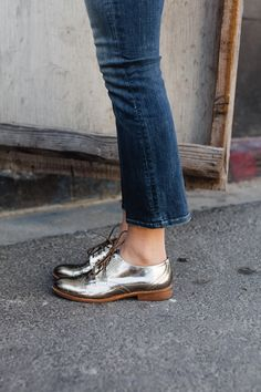 Mother Crop flare jeans, Madewell silver oxford shoes