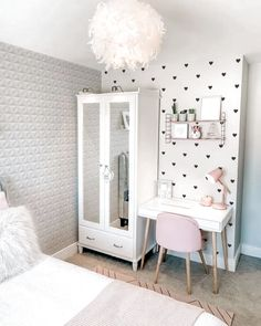 beautiful dorm room organization ideas dorm dormroom college bedroom girls fikriansyah net having a unique dorm room is exciting and excellent we collected 30 cosy dorm room decor ideas and these will give you new inspiration Girl Bedroom Designs, Room Ideas Bedroom, Small Room Bedroom, Bedroom Decor, Bedroom Girls, Lights Bedroom, Dream Bedroom, Girl Nursery, Master Bedroom