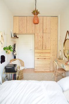 DIYnstag: 9 simple IKEA hacks for more order at home - DIY Möbel - Küche Design Ikea Bedroom, Small Room Bedroom, Bedroom Decor, Ikea Hack Bathroom, Small Apartments, Small Spaces, Ikea Hacks, New Room, House Design