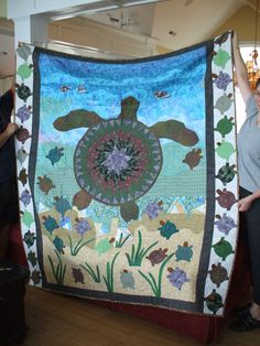 черепаха одеяло из лоскутков / Art Quilt - Turtle for David - Our family likes… Sea Turtle Quilts, North Topsail Beach, Silky Touch, Kona Cotton, Dust Mites, Blanket Sizes, Decorative Throws, Baby Quilts, Quilt Patterns