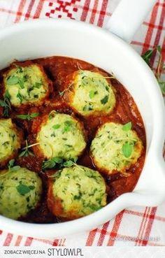 Pulpeciki z cukinii w sosie pomidorowym 1 bardzo duża…