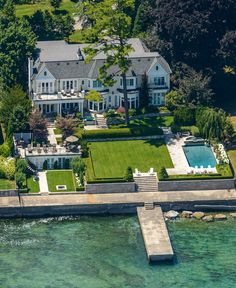 oakville luxury waterfront homes Lakefront Property, Lakefront Homes, Dream Beach Houses, Luxury Homes Dream Houses, Dream Home Design, My Dream Home, Fancy Houses, Dream House Exterior, House Goals