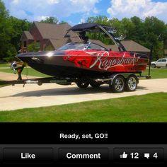 Speed boat! Woo Pigs