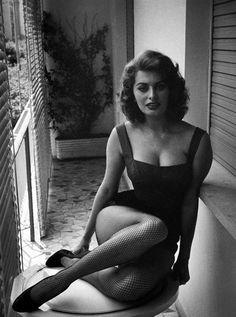 Sophia Loren photographed by David Seymour (1955)