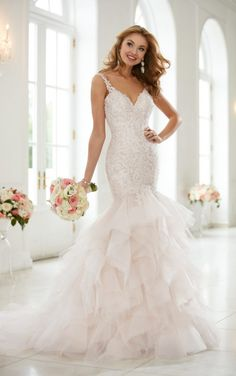 New Bridal Gown Available at Ella Park Bridal | Newburgh, IN | 812.853.1800 | Stella York - Style 6402