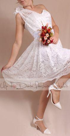 Plus Size/reception/  short  wedding lace dress one shoulder /Bridal Gown