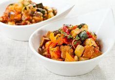 Еще больше рецептов здесь https://plus.google.com/116534260894270112373/posts  ТОП-3 летних овощных рагу 😃  1. Рататуй  Это французский вариант рагу, прославившийся благодаря одноименному мультику.  Ингредиенты: 1 баклажан, 1 крупный перец, 1 кабачок (или цуккини), 1 луковица, несколько помидоров черри, 1−2 зубчика чеснока, свежий зеленый горошек, баночка консервированных помидоров в собственном соку (лучше кусочками) — 500 мл, тимьян, базилик, соль, свежемолотый черный перец, оливковое…
