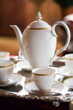 Ana Rosa elegant tea party