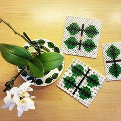 Coaster set hama beads by husochbus Hama Beads Patterns, Beading Patterns, Crafts To Make, Arts And Crafts, Diy Crafts, Hama Beads Coasters, Pearl Crafts, Iron Beads, Melting Beads