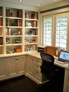Apartment Organization Office – Finest Office Built In Cabinets… – Home Office 2020 Office Nook, Home Office Space, Home Office Desks, Home Office Furniture, Small Office, Office Table, Black Office, Office Setup, Study Office