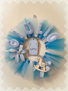 Tulle Baby Shower, Baby Shower Crafts, Baby Boy Shower, Baby Shawer, Baby Birth, Tulle Wreath, Diy Wreath, Baby Boy Wreath, Welcome Baby Boys