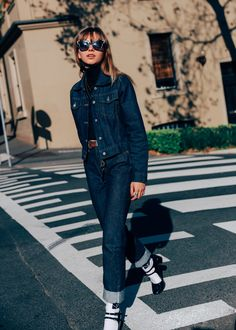 Time for Fashion Trends: Double Denim Amo Jeans, Estilo Jeans, Double Denim, Jeans Rock, Blue Jeans, Looks Total Jeans, Chronicles Of Her, Jeans Trend, Look Jean