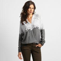 Camisa Haes Transpassada Estampa c/ Renda Cinza e Branco | Zattini - A nova loja de moda online da Netshoes