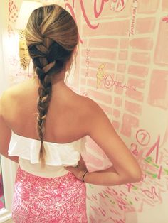 pinkandgreenlivingthedream:  live-free-let-loose:  braids and Lilly  Obsessed with this picture
