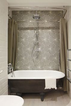 If you search thoroughly, you can even find some comfortable, small bathroom tub shower combo ideas. For starters, here are the 5 examples. Clawfoot Tub Shower, Bathtub Shower Combo, Bathroom Shower Curtains, Freestanding Bathtub, Shower Doors, Loft Bathroom, Bathroom Showers, Bathroom Bath, Bath Shower