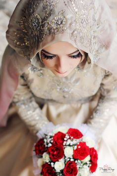 Read UJIAN from the story Mantu Untuk Bunda by Cherryalaric (cherryalarik) with reads. Muslimah Wedding Dress, Muslim Wedding Dresses, Muslim Brides, Muslim Couples, Bridal Dresses, Wedding Hijab, Pakistani Bridal, Wedding Poses, Evening Gowns