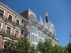 Hotel ME Madrid Reina Victoria desde la Plaza del Ángel, Barrio de las Letras. Madrid by voces, via Flickr