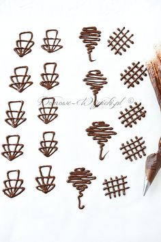 Chocolate ornaments Chocolate ornaments Schokoladen- Ornamente 130 Source by backenmitspass Chocolate Raspberry Cake, Chocolate Fondant, Chocolate Garnishes, Chocolate Desserts, Modeling Chocolate Recipes, Coconut Tart, Chocolate Decorations, Mousse Cake, Cake Tutorial